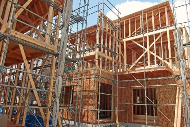 建設業の許可を取るには要件がありますが大変複雑です。「自分は許可が取れるのか?」こちらをご覧ください